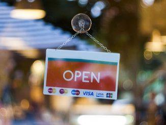 shopping open