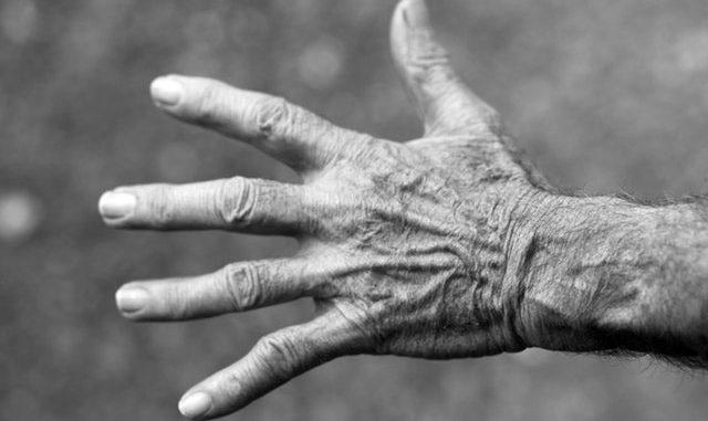 age hand