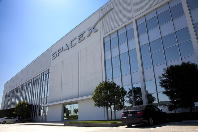 Will Spacex Bfr Kill Nasas Rocket To Nowhere